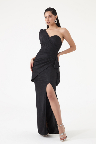 Black velvet 13 single sleeve maxi dress