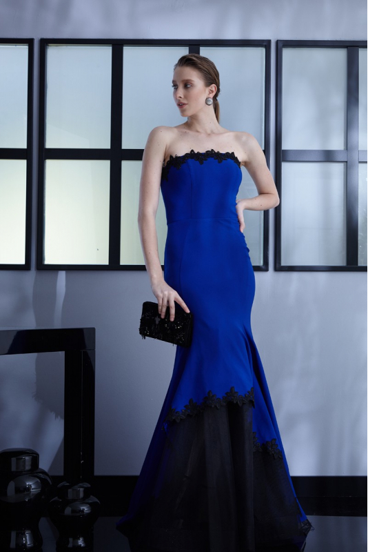Sax crepe maxi strapless dress