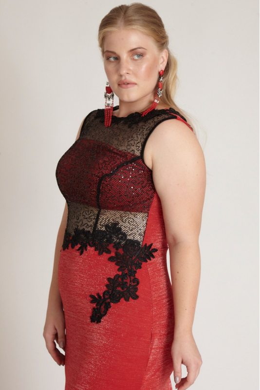 Red plus size knitted sleeveless maxi dress