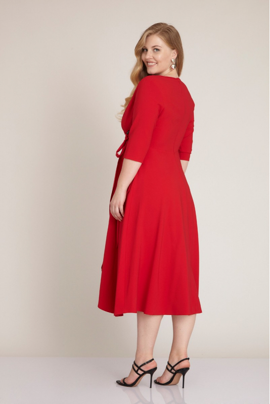 Red plus size 3/4 sleeve midi dress